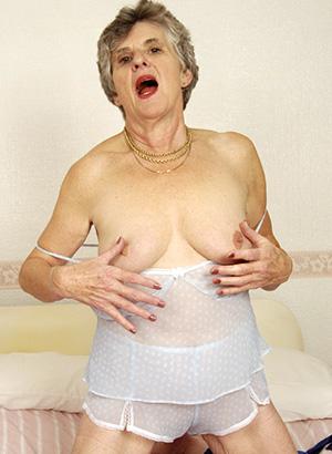 Eine Oma ficken